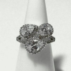 Ring Size 6 Simulated Diamond Pear 546